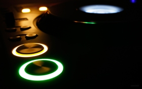 music_dark_djs_club_turntable_dj_cdj_cd_cdj1000_pioneer_desktop_1920x1200_wallpaper-12635