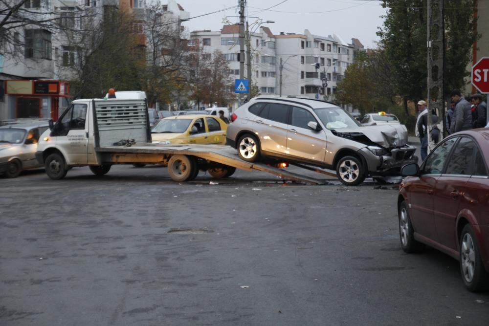 Astăzi 12/11/2014 accident în Mun. Râmnicu Sărat (4/6)