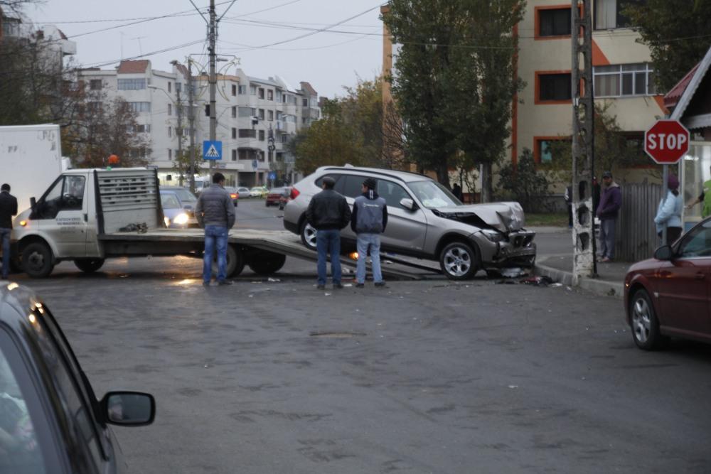Astăzi 12/11/2014 accident în Mun. Râmnicu Sărat (2/6)